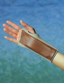 Fixing longuet wrist (brace) for immobilization in tenosynovitis.